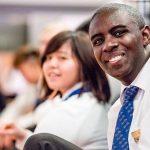 Studer hospitality i et internasjonalt samfunn